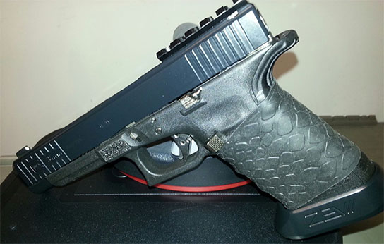 Glock 34 Gen 4 with TUFF1 Black Boa Grip from E.A