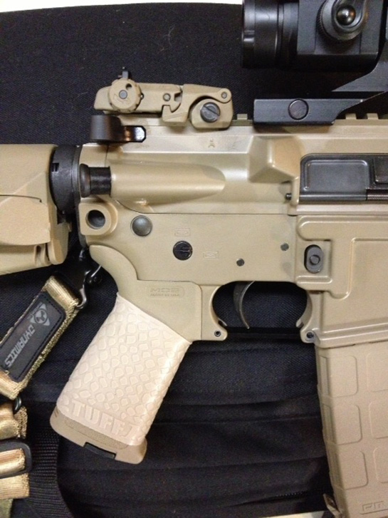 Sig M400 FDE with TUFF1 Boa Desert Tan grip on a Magpul MOE
